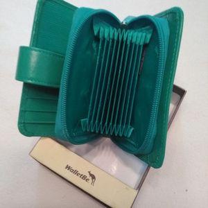Accessories - Teal wallet